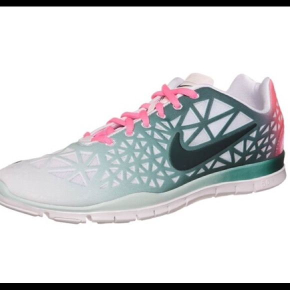 save off 651ed 79a7a Nike Womans Free Tr Fit 3 Green  Pink Shoes 9. M5ade0ecff9e5018c8fcb2683